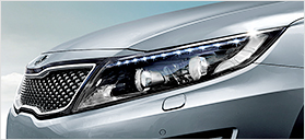 Kia Optima Highlights HID projection headlights + static bending lights + LED daytime running lights